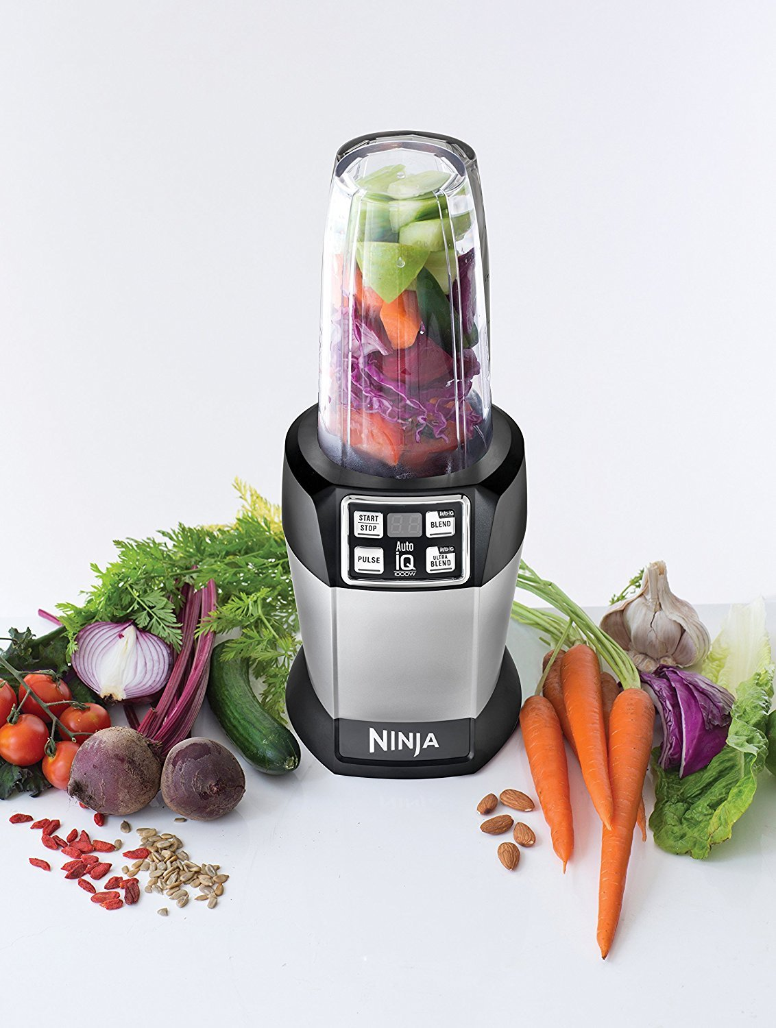 Renewed Nutri Ninja BL480D Personal Blender with 1000-Watt Auto-iQ Base to Extract Nutrients for Smoothies Juices and Shakes and 18 and 24-Ounce Cups//FREE NUTEK EARBUDS