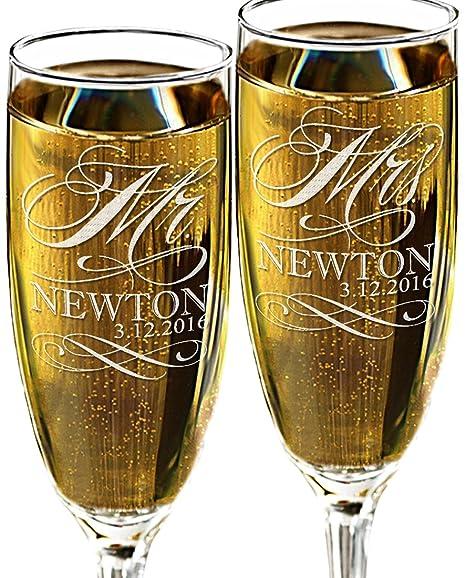 amazon com mr and mrs champagne wedding glasses set of 2