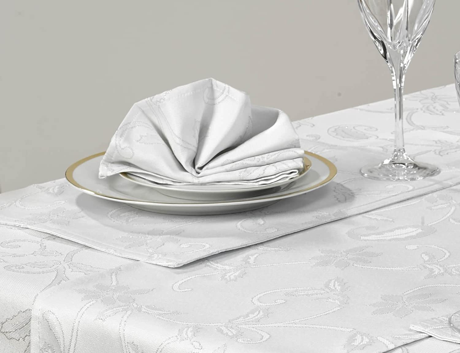 Christmas Table Napkins 4 Piece Set Glistening Holly White & Silver 16