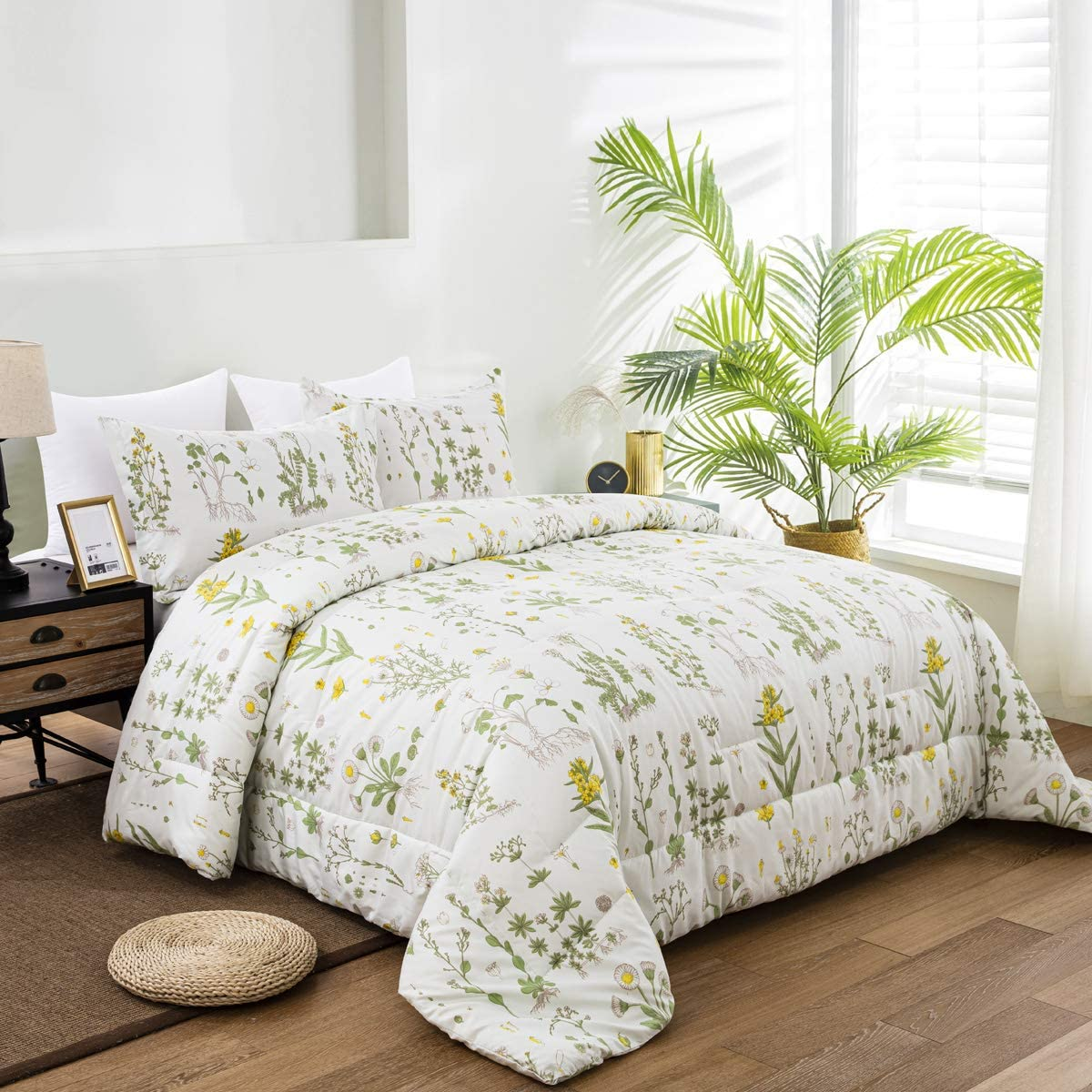 "Floral Comforter Set Queen Plant Botanical Duvet Green Leaves Yellow Flower Floral Garden Pattern on Light Green Not Pure White Bedding Set 3 Pieces Comforter with 2 Pillowcases 90""x90"" (Light Green)"