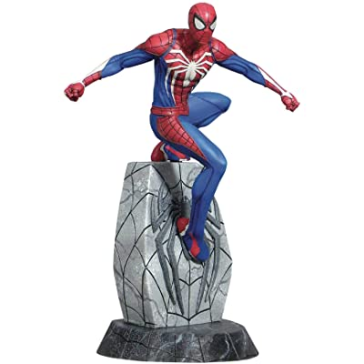 DIAMOND SELECT TOYS Marvel Gallery: Spider-Man (Playstation 4 Video Game Version) PVC Figure: Toys & Games