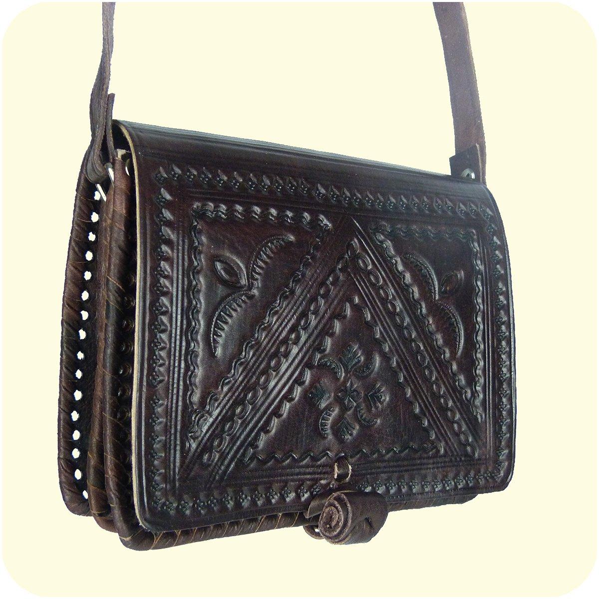 """aafb707d14fad Leder Handtasche """"Casablanca"""" 16x19cm in dunkelbraun • marokkanische  Umhängetasche mit dekorativer Lederprägung • 100% Handarbeit und Rindsleder  • mit ..."""