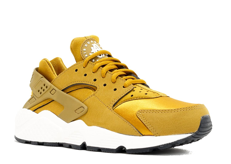 00e369d54c59 Amazon.com  Nike Womens Air Huarache Run (Bronze White) Size 8 US  Sports    Outdoors