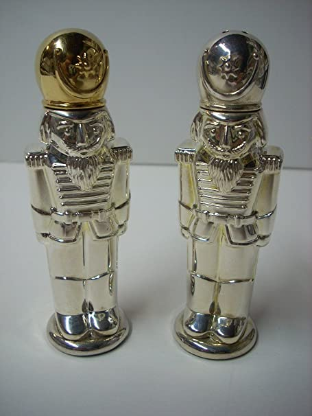 Amazon Com Silver Toy Soldier Salt Pepper Shaker Set By Godinger Silver Art Company Kitchen Products Kitchen Dining