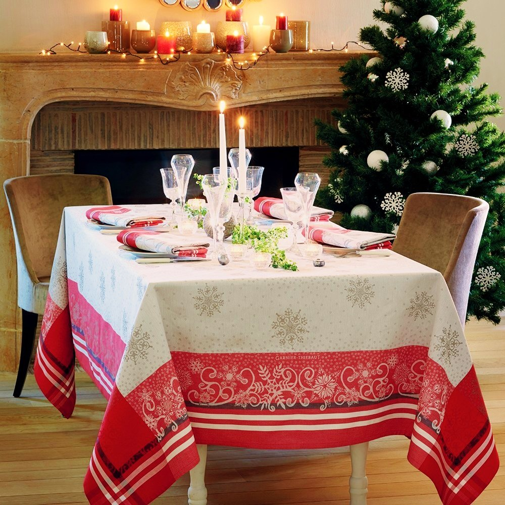 Garnier Thiebaut, Snowflakes Rouge Holiday - Christmas French Jacquard Tablecloth, 100 Percent Cotton, 69 Inches x 120 Inches, Green Sweet Treated