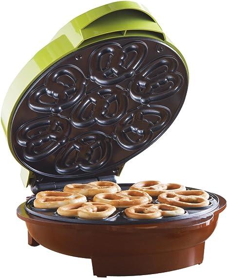 Amazon Com Brentwood Mini Pretzel Maker Machine Non Stick Green Kitchen Dining
