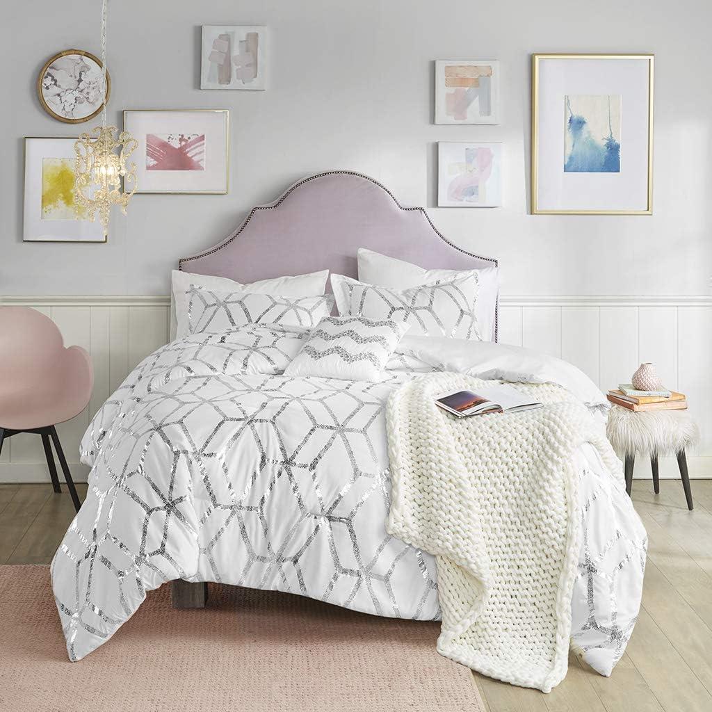 Comfort Spaces Vivian Comforter Set Ultra Soft All Season Lightweight Modern Geometric Glam Metallic Print Bedding, Matching Sham, Decorative Pillow, Twin/Twin XL, White/Silver