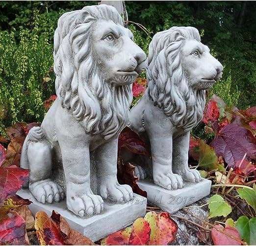 Par de figuras de leones de piedra moldeada para adorno de jardín ...