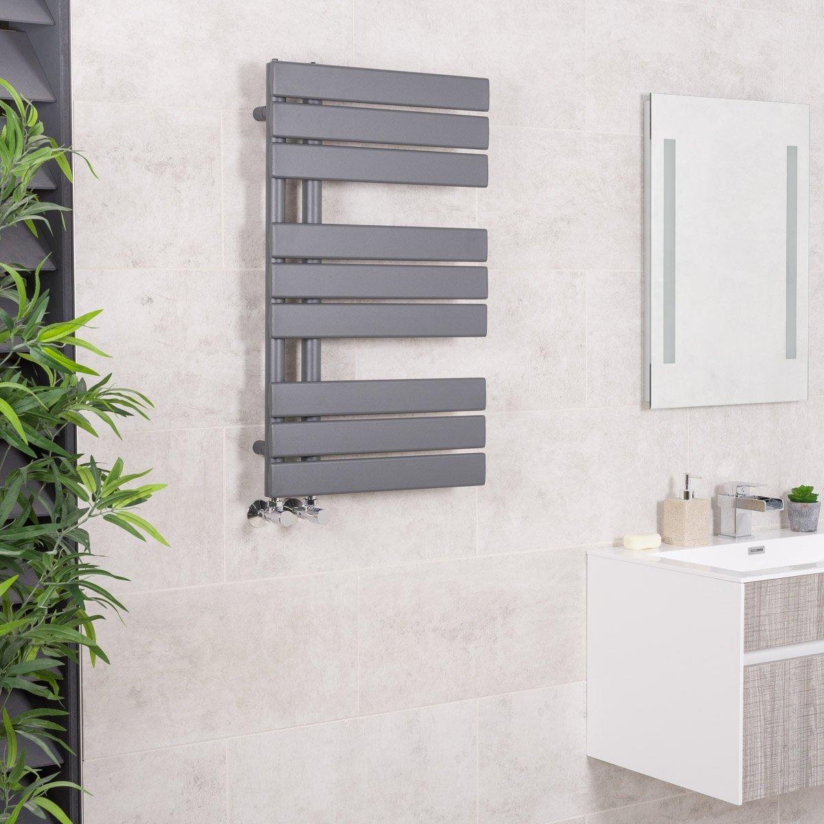 Sè che-serviettes radiateur plat design eau chaude 598 Watts 1124 x 500 Gris - Salle de bains WarmeHaus