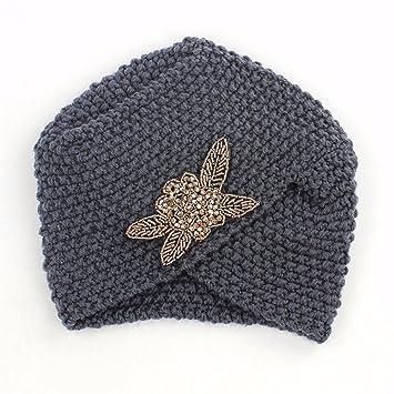 OSISDFWA Sombrero Dama Moda Sombrero del Ganchillo Hecho A Mano con Cuentas  De Flor De Accesorios e6b5855a4c2