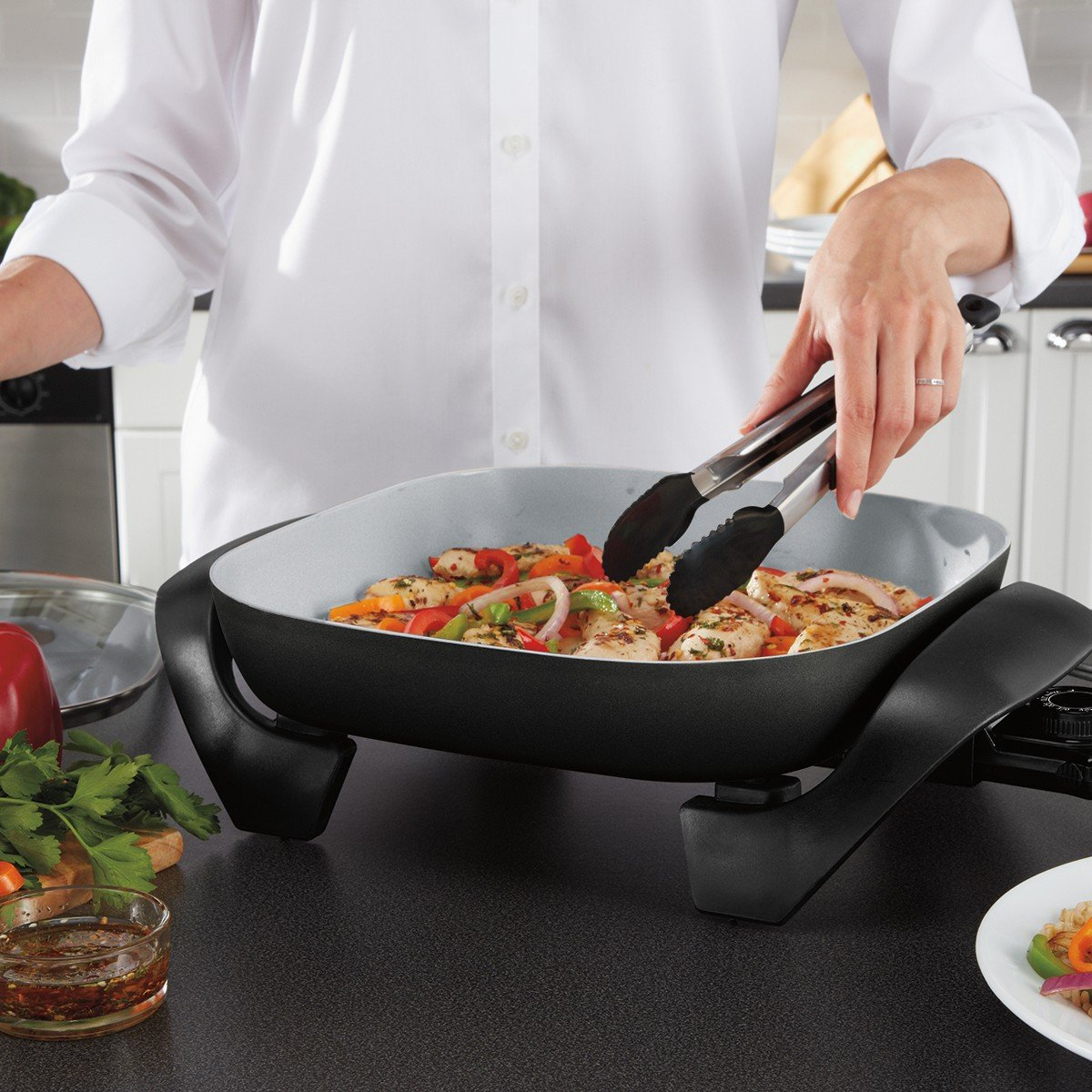 Oster Titanium Infused DuraCeramic Electric Skillet, 12 Inch, Square, Black/Silver (CKSTSKFM12-TECO) by Oster (Image #5)