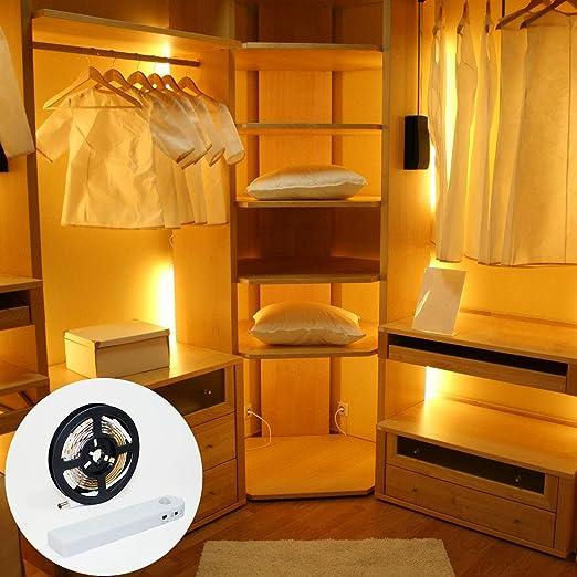 Tira de luces LED con sensor de movimiento. Luces LED útiles para iluminar su armario, escalera, cocina, baño, etc. Tira luz LED de 1 Metro. Funciona con 4 pilas AAA, no incluidas.: