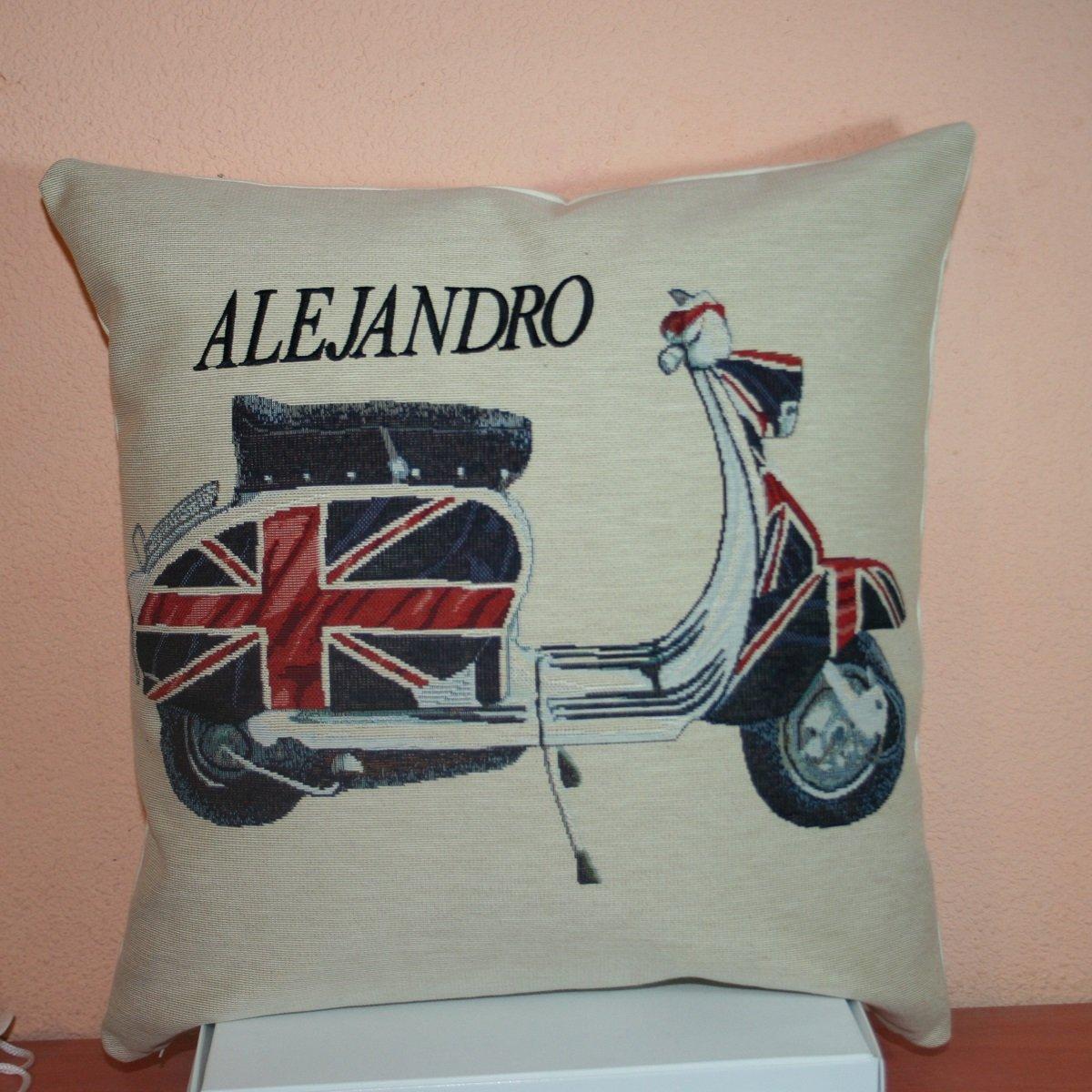 PRIMERAEDAD/Cojín jacard vespa con bandera inglesa ...