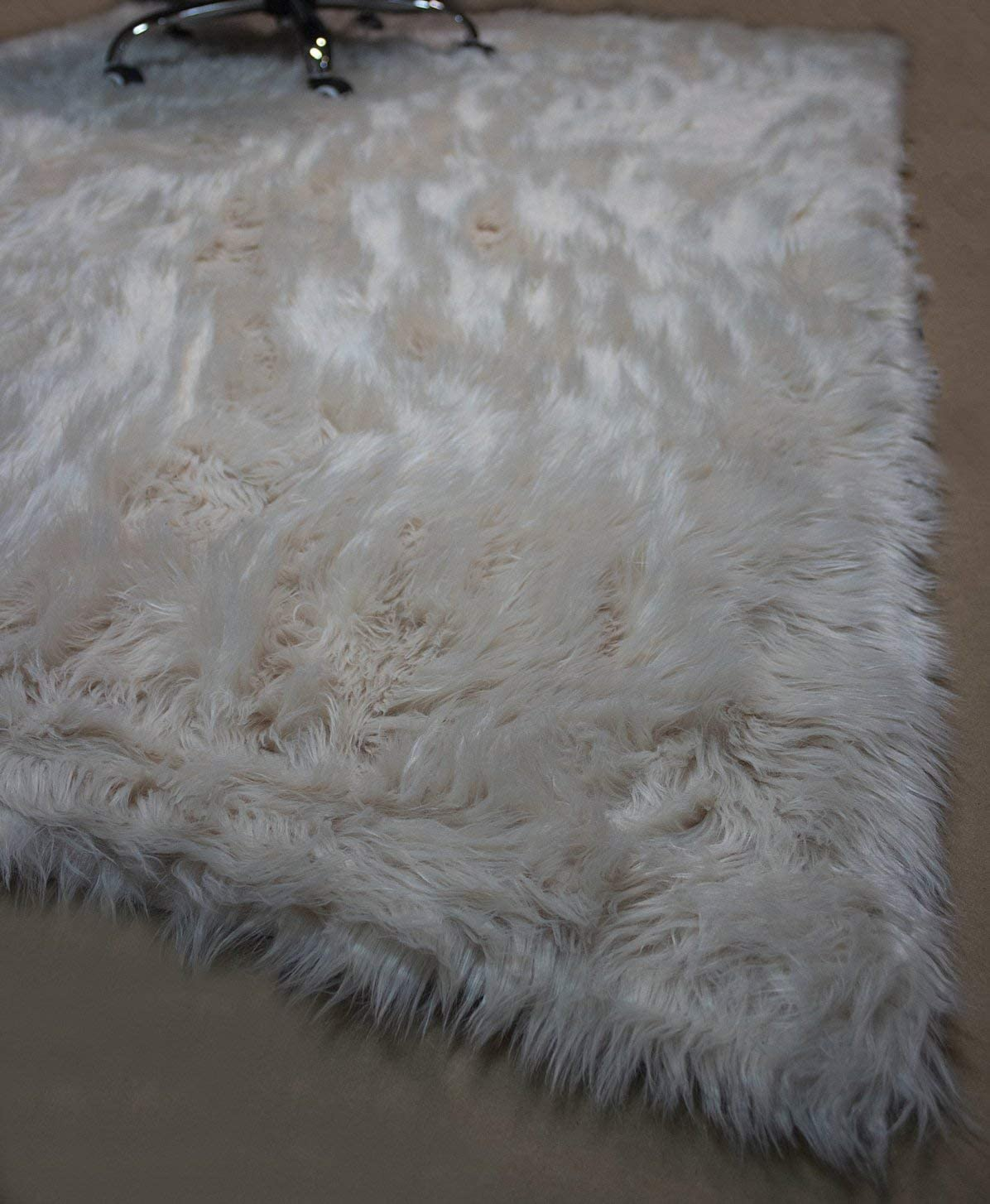 5×7 Feet Beige Cream Color Faux Imitation Quality Sheepskin Sheep Skin Sheep Hide Animal Skin Fur Furry Area Rug Carpet Rug Solid Plush Decorative Designer Modern Contemporary Bedroom Living Room