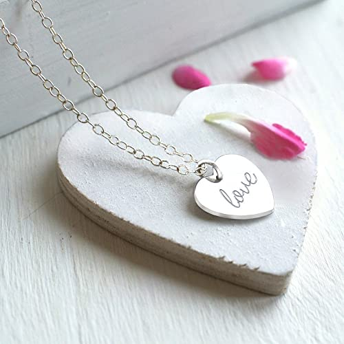 Collar de pequeño corazón de plata esterlina personalizada 'love' o 'amor