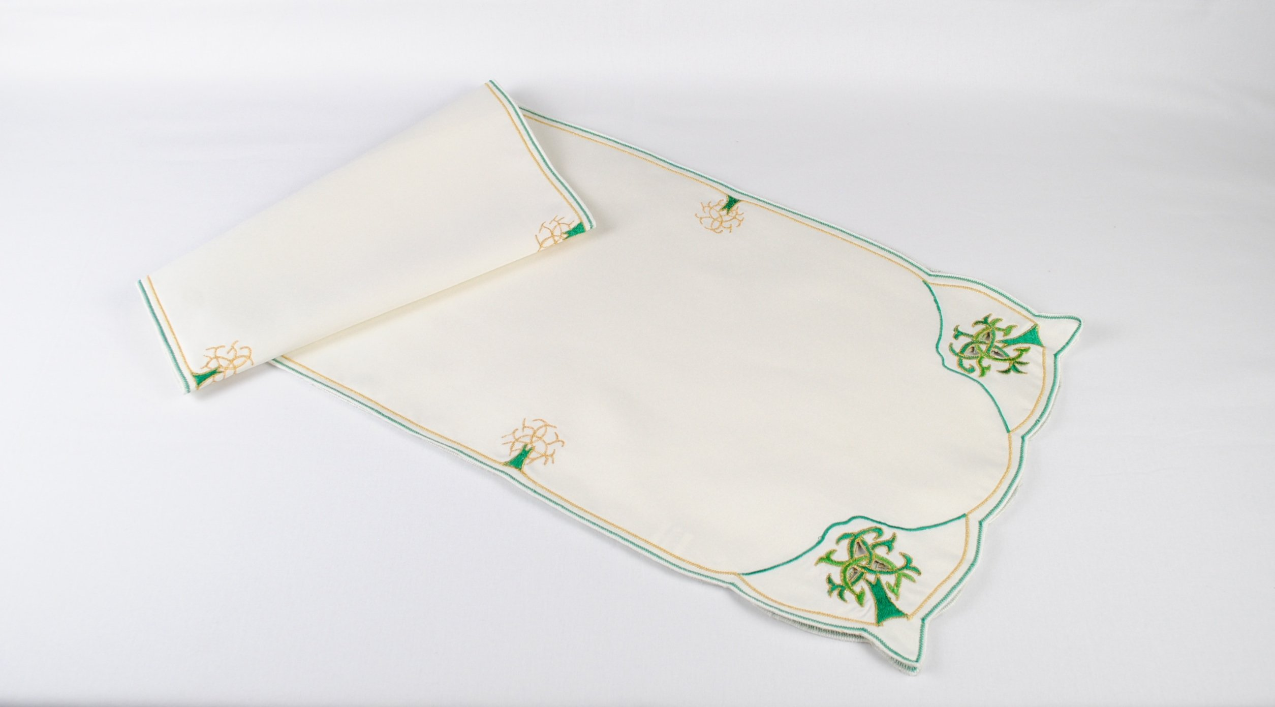 Table Runner in a Celtic Tree of Life Design