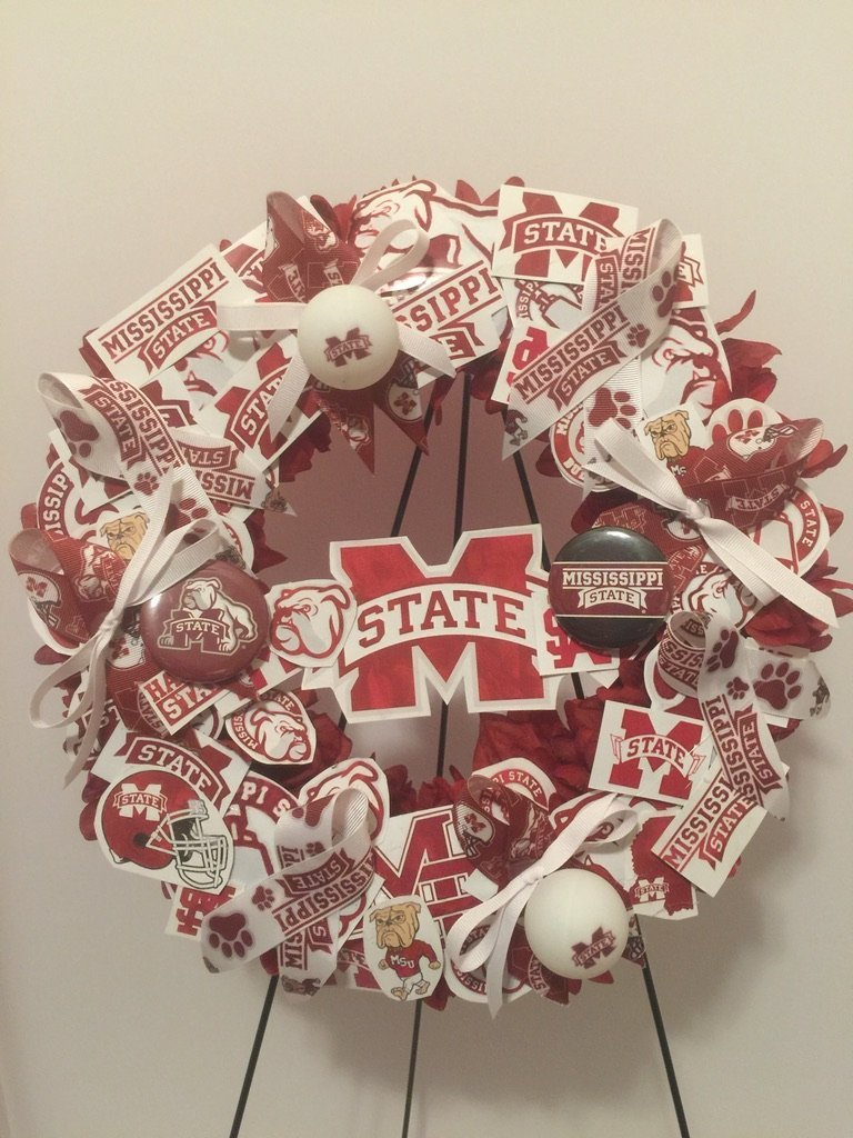 COLLEGE PRIDE - MSU -MISSISSIPPI STATE UNIVERSITY - BULLDOGS - DAWGS - DORM DECOR - DORM ROOM - COLLECTOR WREATH - MAROON DAHLIAS AND CHRYSANTHEMUMS by Peters Partners Design (Image #3)