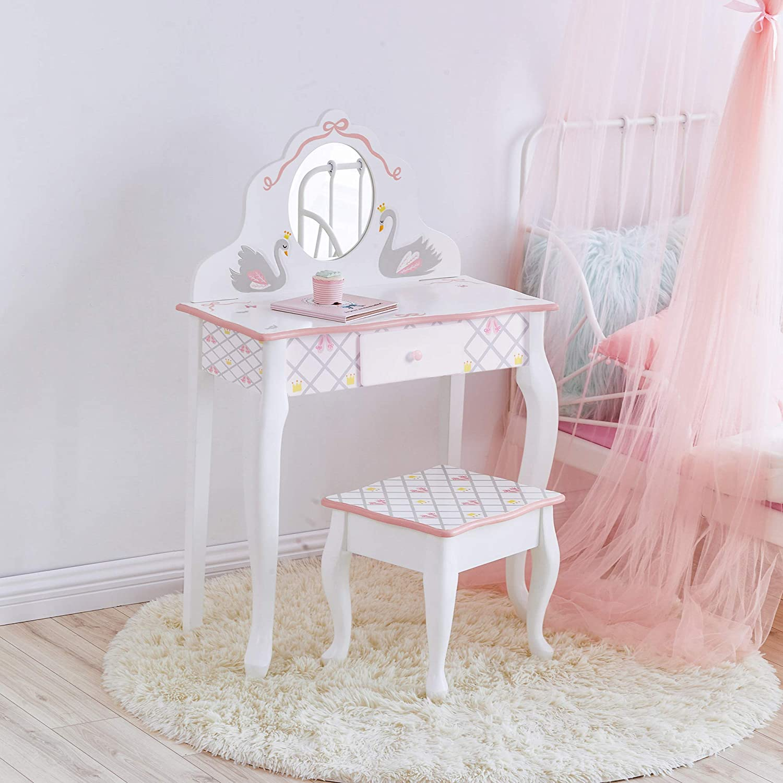 swan-lake-mirror-table-set