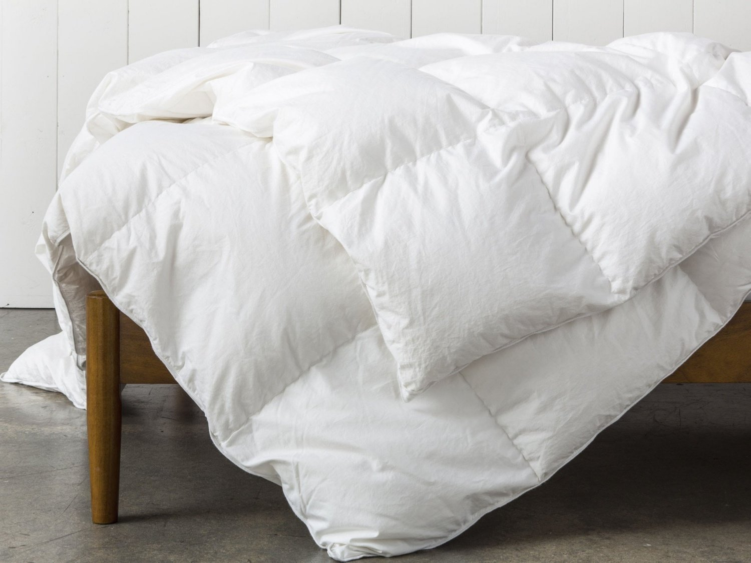 Super King Oversized California King Down Alternative Comforter
