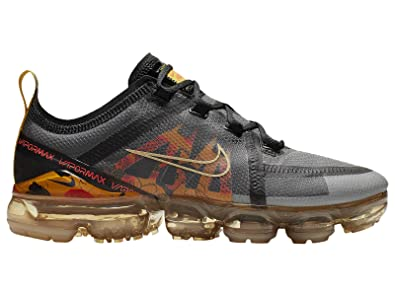 87f2a7c0a5a71 Amazon.com | Nike Women's Air Vapormax 2019 Mesh Running Shoes ...