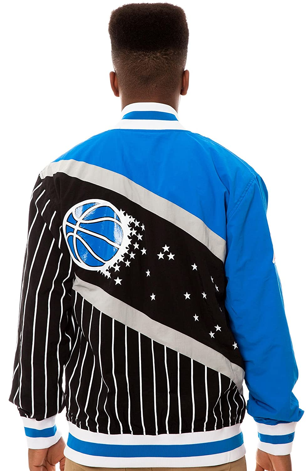 ef9a2eac7c0 Amazon.com   NBA Mitchell   Ness Orlando Magic Authentic Vintage Warm-Up  Jacket - Black Royal Blue (Medium)   Sports Fan Outerwear Jackets   Sports    ...