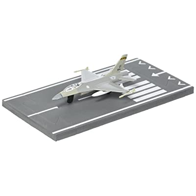 Daron Worldwide Trading Runway24 F-16 Military Vehicle: Toys & Games