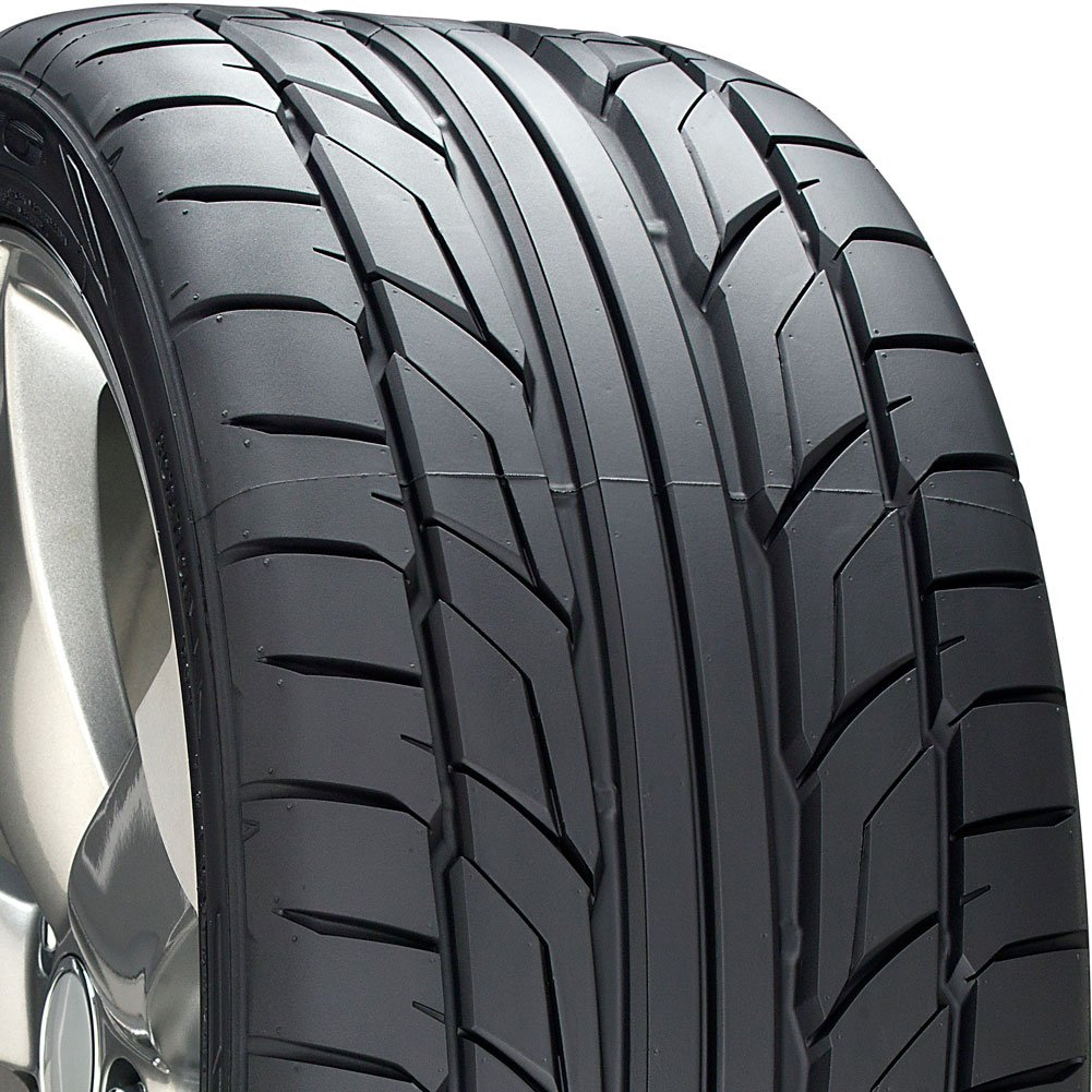 Nitto NT555 G2 Performance Radial Tire - 245/40ZR18 97W
