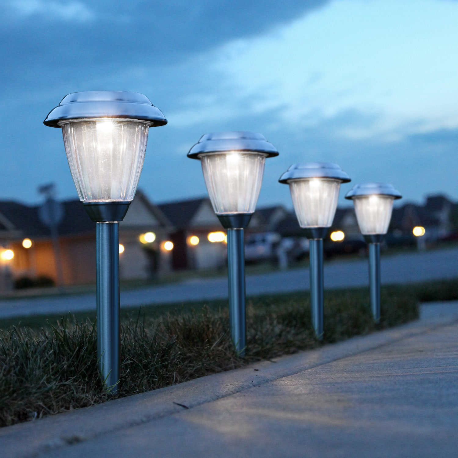 Best led solar garden lights reviews fortunerhome for Garden lights