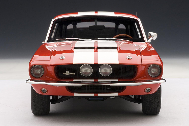 rot mit wei/ßen Streifen Shelby Mustang GT 500-1967 Autoart 72906 1:18