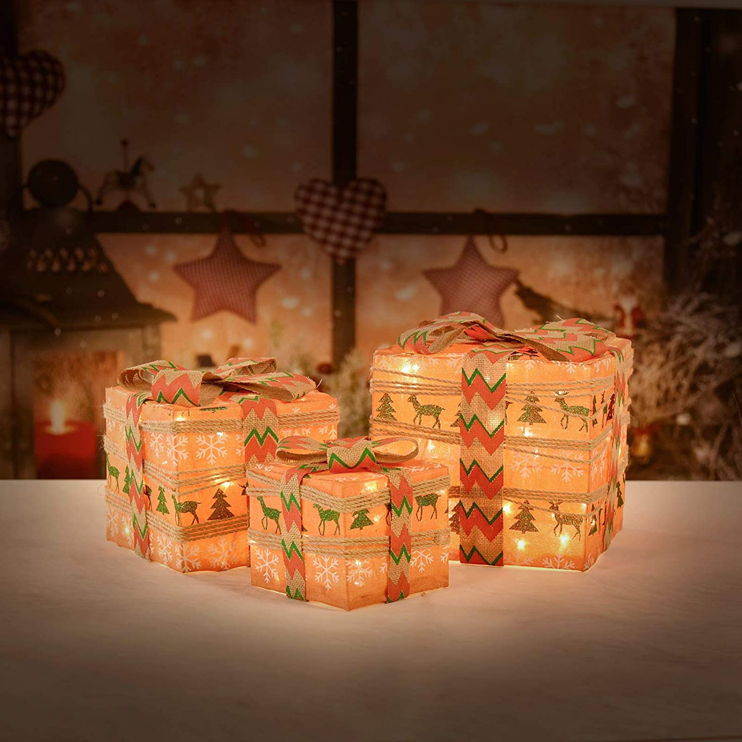 XUEYU Lighted Gift Boxes, Set of 3 Outdoor Christmas Decorations, Rustic 60 LED Light Up Presents Boxes, Plug-in Home Decor
