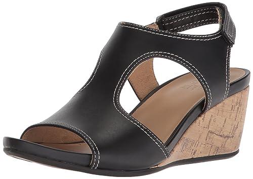 a8d90140d0dc Naturalizer Women s Cinda Wedge Sandal  Amazon.co.uk  Shoes   Bags