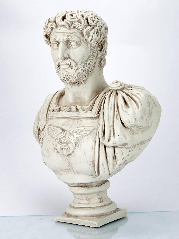 Hadrian römische Kaiser Büste helle Patina