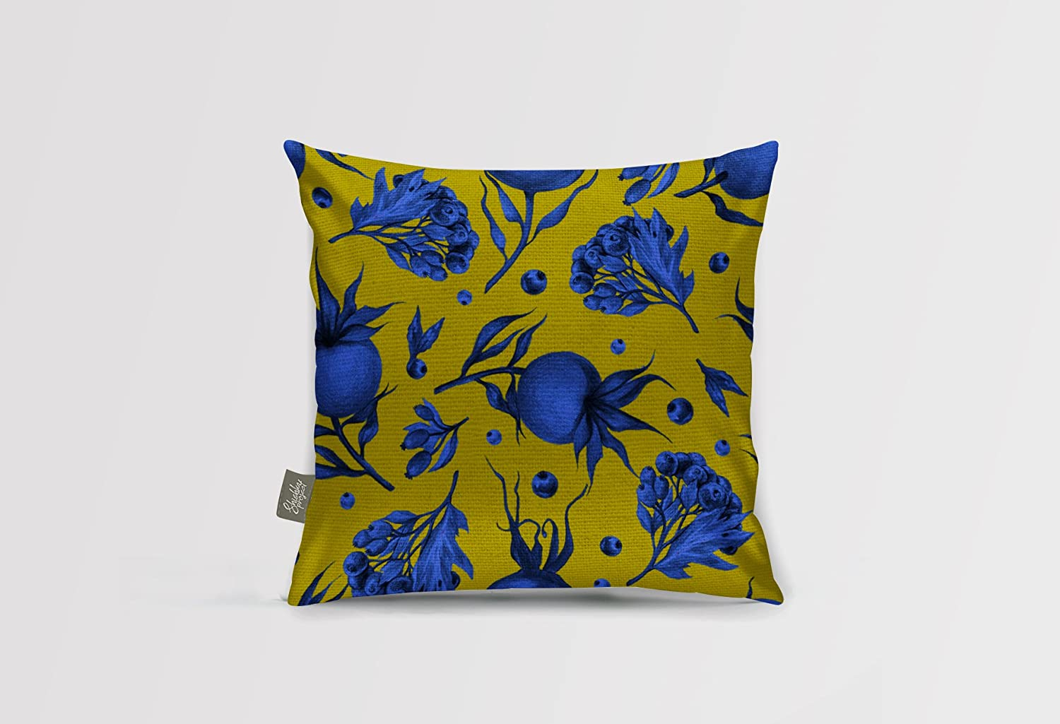 Shishka Project Throw Pillows Pillow Cases Decorative Cushion Blueberries Designer Pillow Home decor pillow Accent Pillows Sofa Pillows Cushion Covers (4, Pillow with insert)
