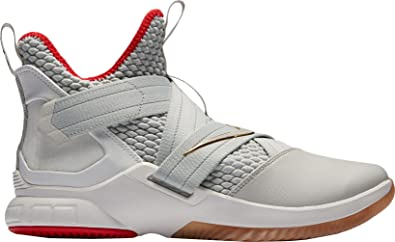 ladrón Escandaloso hacerte molestar  Amazon.com: Nike Lebron Soldier XII - Tenis de baloncesto para hombre, 10 M  US: Shoes