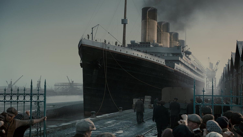 amazon com titanic blu ray toby jones linus roache geraldine