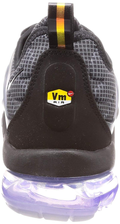 pretty nice 5d0fa 49d5d Nike Air Vapormax Plus, Zapatillas de Deporte para Hombre  Amazon.es   Zapatos y complementos