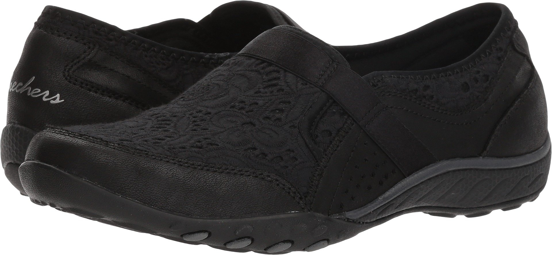 Skechers Relaxed Fit Breathe Easy Thankful Womens Slip On Sneakers Black 8