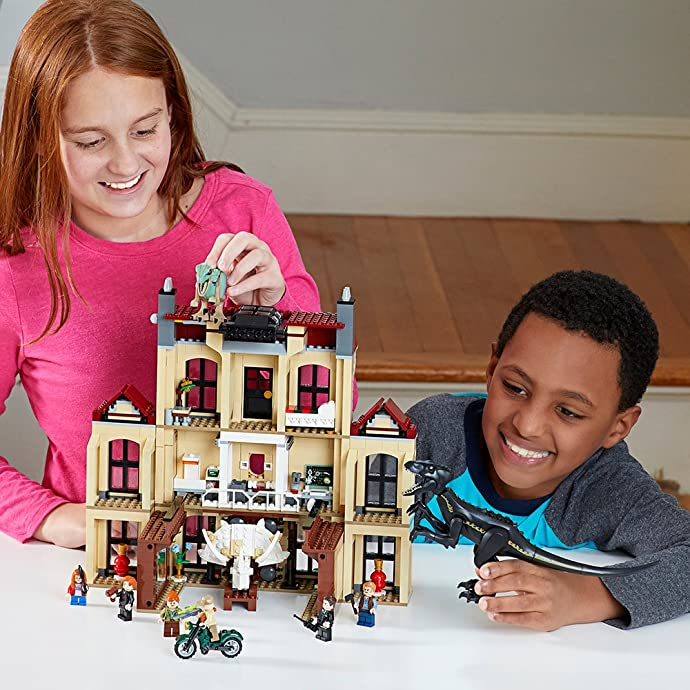 LEGO 乐高 Jurassic World 侏罗纪世界系列 暴虐龙袭击洛克伍德庄园 75930 积木玩具 6.8折史低 海淘转运到手约¥736