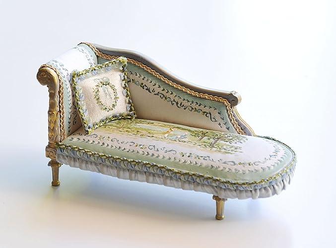 Mueble miniatura Chaise Longe tapizada en seda y pintada a ...