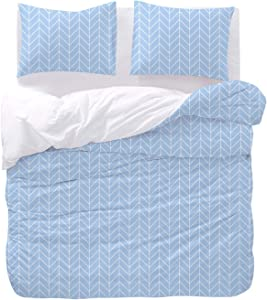 Wake In Cloud - Chevron Comforter Set, Blue with White Geometric Pattern Zig Zag Line Printed, Soft Microfiber Bedding (3pcs, Queen Size)