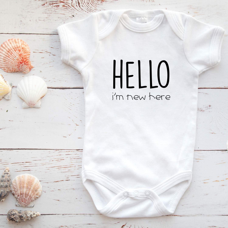 Hello Im New Here Printique Onesie Organic Baby One Piece Short Sleeve Cute Trendy Minimal Bodysuit 0-12 Months