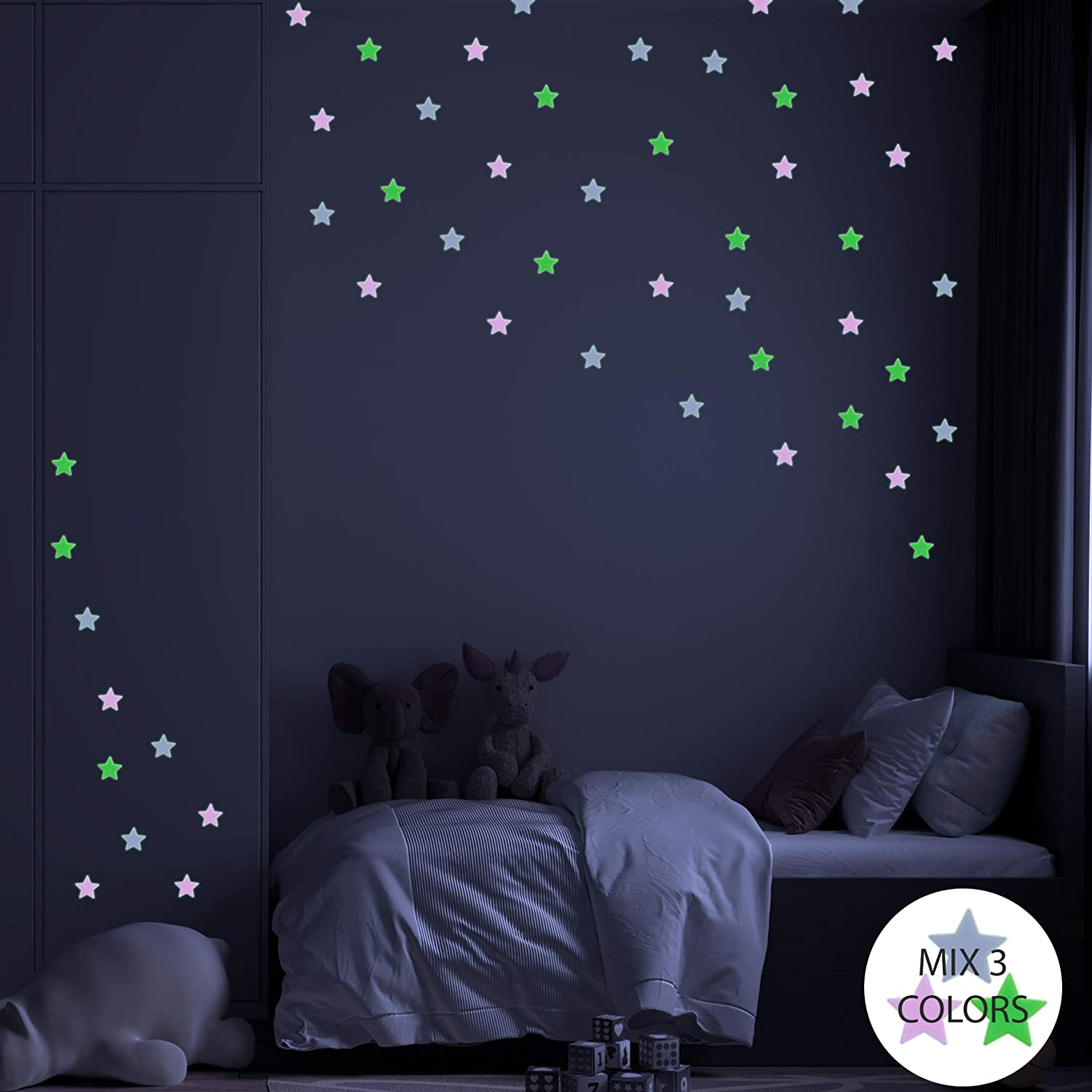 3cm Luminous Stars 3D Fluorescent Wall Stickers Home Decor Fluorescent Star Wall Stickers Vinyl Wall Decals Easy to Apply Children Bedroom Decorating Glow in The Dark