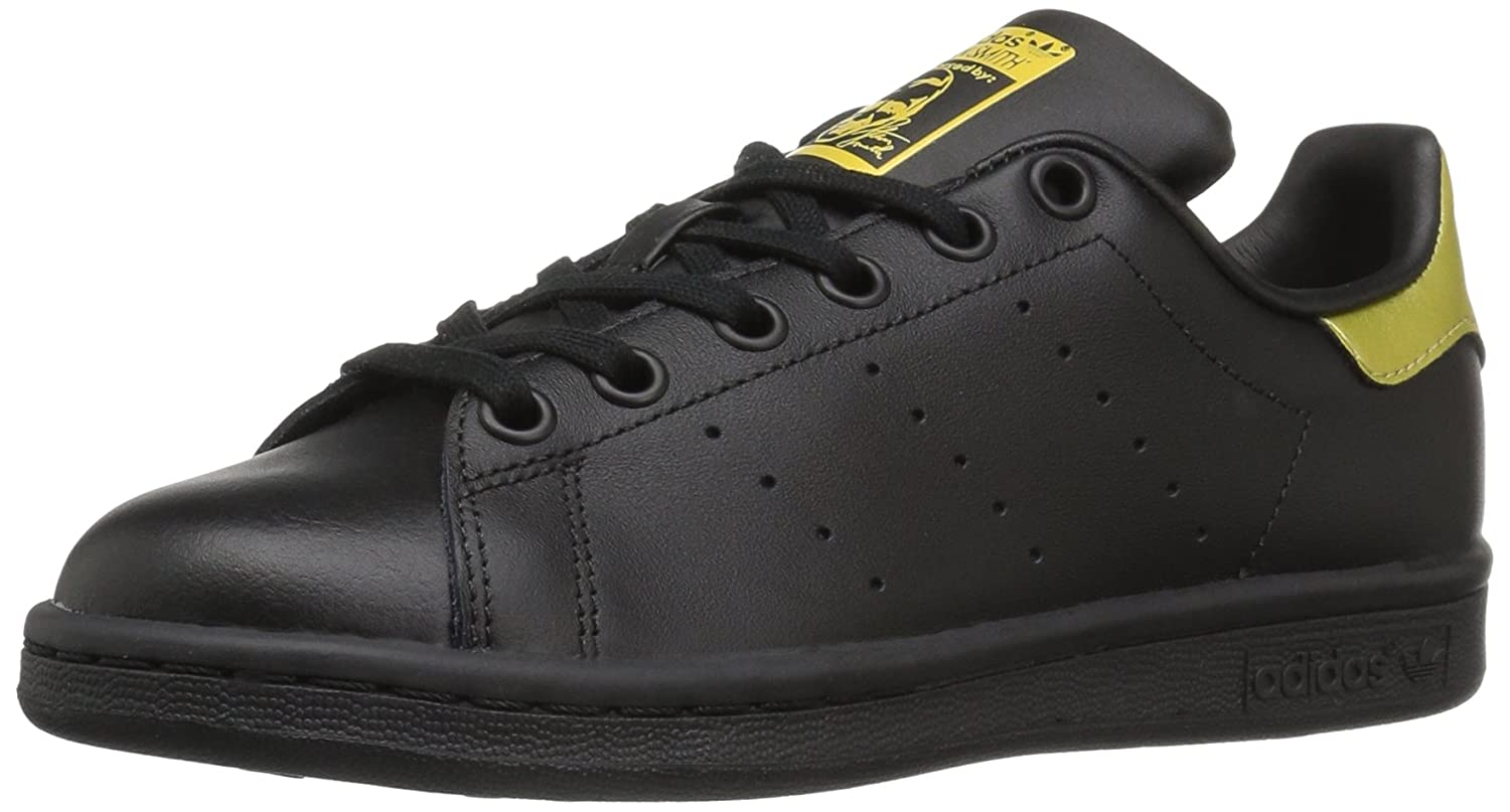 low priced 5e0d2 e3929 Amazon.com   adidas Performance Stan Smith J Tennis Shoe (Big Kid)    Sneakers