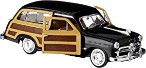 Motormax 1/24 Scale 1949 Ford Woody Wagon, Black.