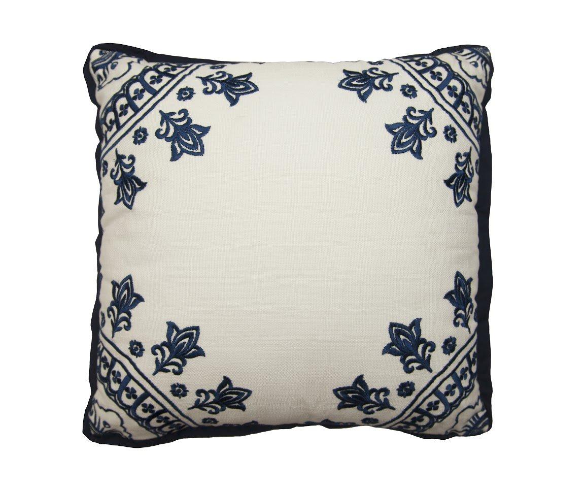 Studio Row Kashmir Decorative Pillow 18' x 18' Blue/White
