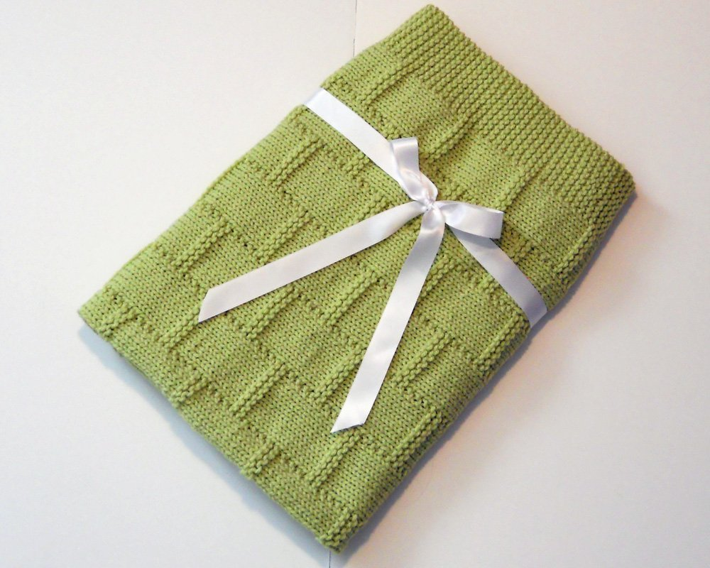 Green Hand Knit Baby Blanket by Custombearhug 32 by 33 Inches