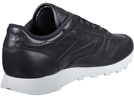 b8c2f25a3e2 Reebok Women s Classic Leather Pearlized Bd4308 Trainers  Amazon.co ...