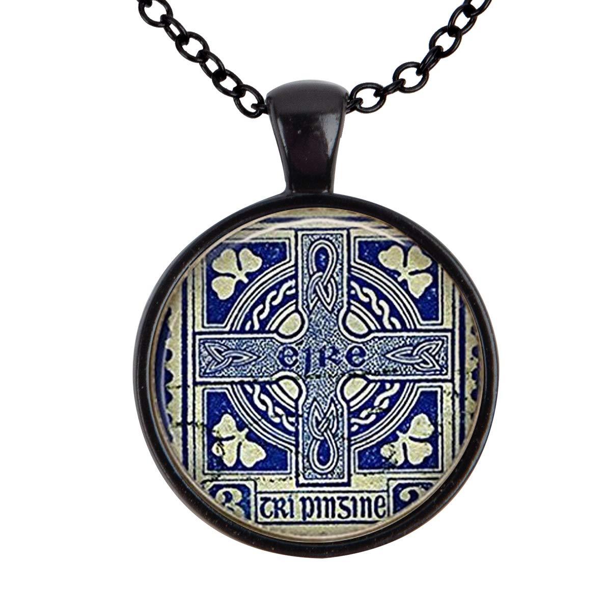 Family Decor Vintage Ireland Stamp Ireland Memento Pendant Necklace Cabochon Glass Vintage Bronze Chain Necklace Jewelry Handmade