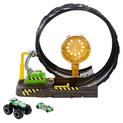Hot Wheels Monster Trucks Epic Loop Challenge Play Set Includes Monster Truck and 1:64 Scale Hot Wheels car ages 3 and older: Toys & Games
