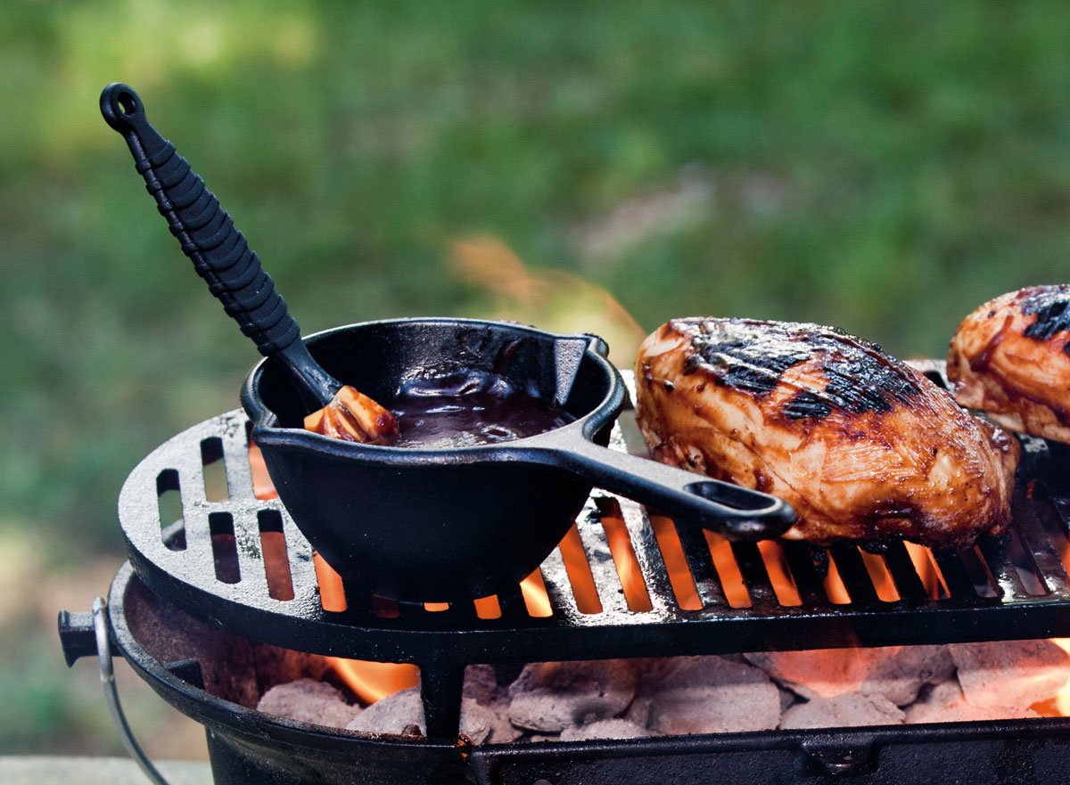 amazon com lodge l410 pre seasoned sportsman u0027s charcoal grill